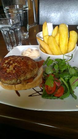 O' Neills Bistro : Homade Chicken Burger & Chips..