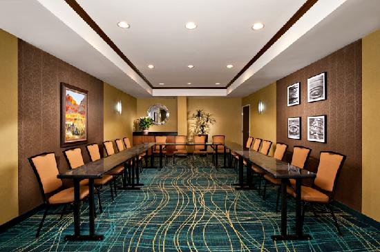 SpringHill Suites Scottsdale North: Stay productive in our stylish boardroom