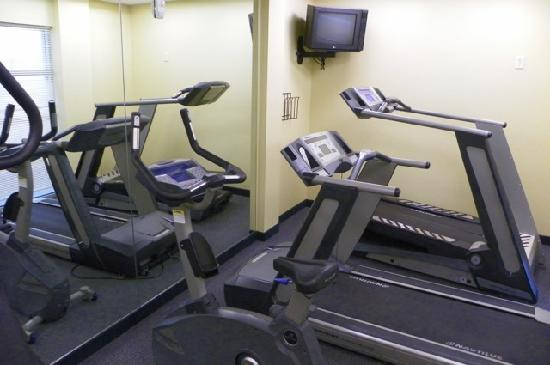 SpringHill Suites Portland Vancouver: one part of the (tiny!) exercise room