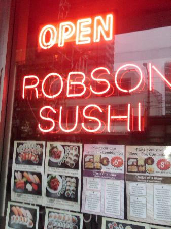 Monster Sushi : window dressing