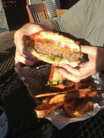 Ole Biloxi Fillin Station: Main Street Burger w/Cheese cut