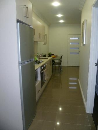 Silver Earth Accommodation: Kitchen area