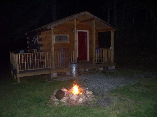 Flintlock Family Campground: Our cabin and campfire