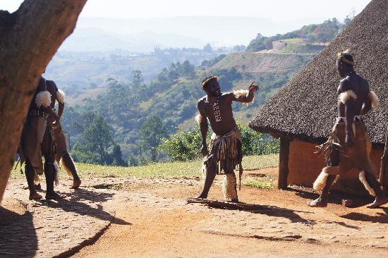 Südafrika: Zulu Village, Valley of a Thousand Hills