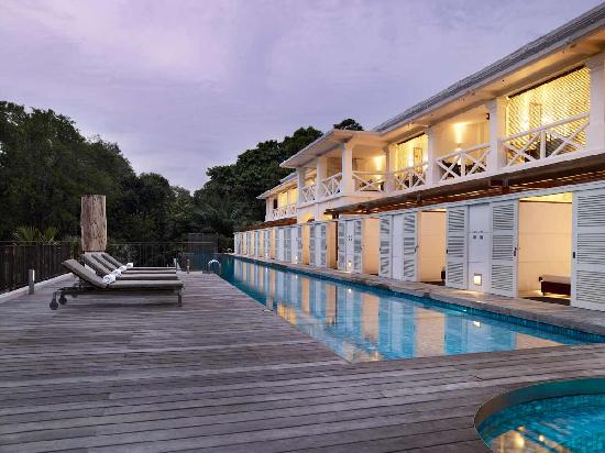 Amara Sanctuary Resort Sentosa: Larkhill Terrace Private Infinity Pool