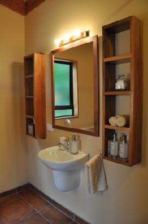 Adrift in Golden Bay : Studio Bathroom