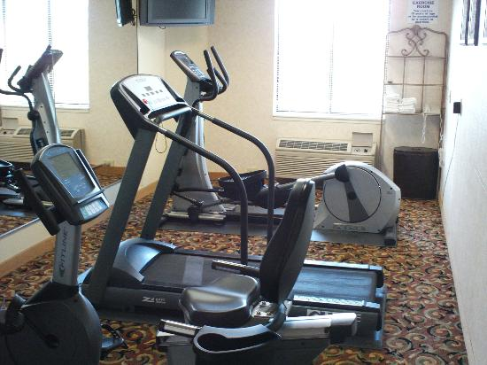 Sleep Inn West: exercise area