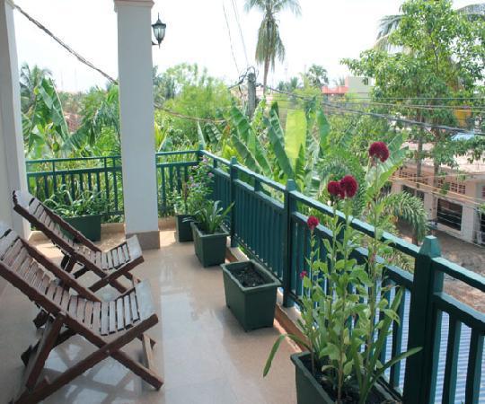 Siem Reap Garden Inn: Outside Terrace