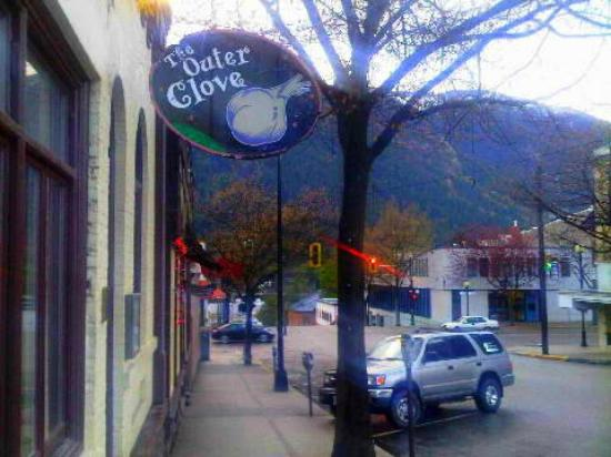 Outer Clove Restaurant: Outside the Outer Clove