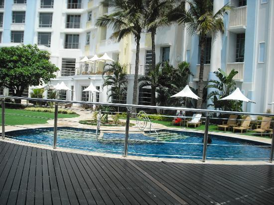 Suncoast Towers: The pool