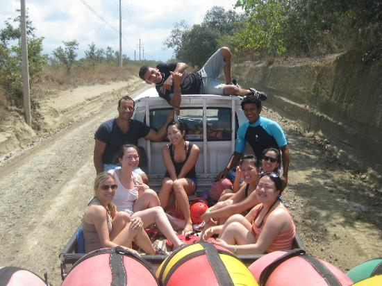 Tropical Comfort Tours: On the way to the river