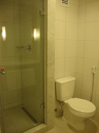 Ibis Larco Miraflores : Our bathroom