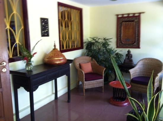 Alamanda Inn : reception