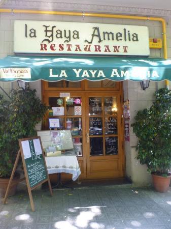 Street view of La Yaya Amelia