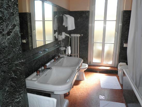 bathroom bild von goldene spinne wien tripadvisor. Black Bedroom Furniture Sets. Home Design Ideas