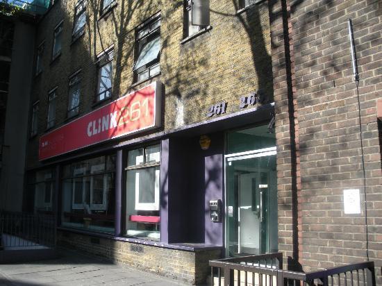 Clink261 Hostel : Clink's entrance