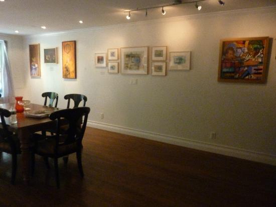 La Maison d'Art: Salle commune, galerie.