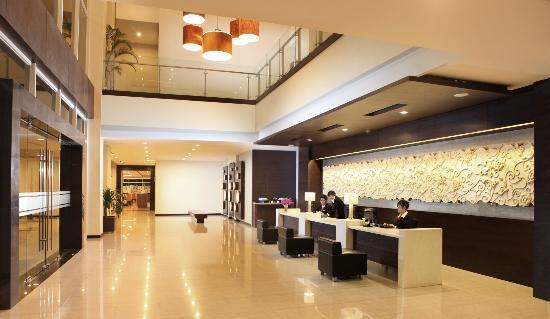 Hotel Santika Bengkulu : Very nice lobby