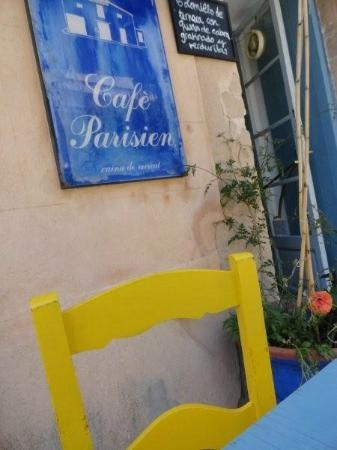 Cafe Parisien: Aussenansicht