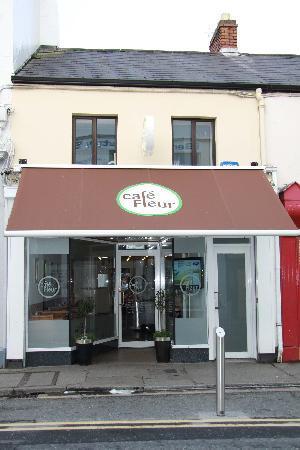 Cafe Fleur: Cafe Exterior