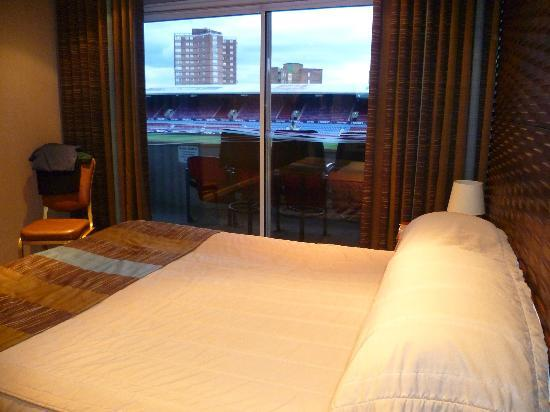 West Ham United Hotel: Pitch view bedroom