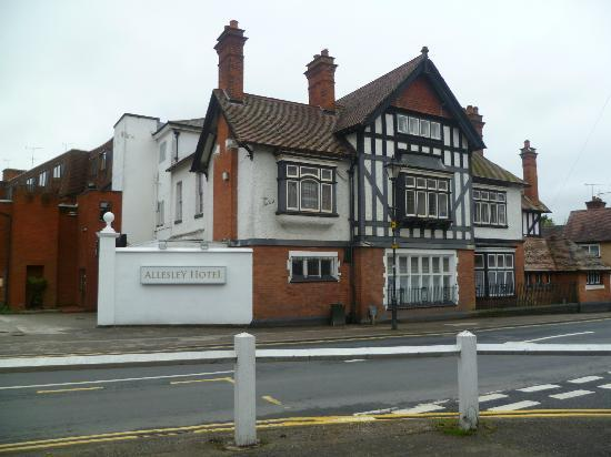 Allesley Hotel: FRONT VIEW OF HOTEL