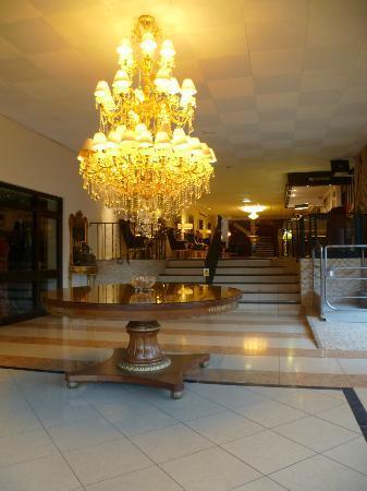 Allesley Hotel: FOYER