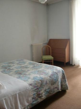 Hotel Elvezia: pareti sporche