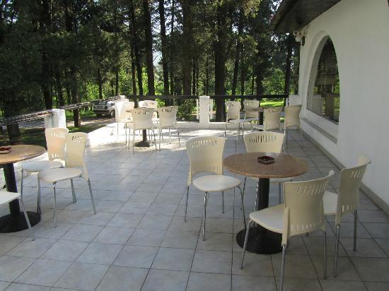 terrazzo comune a tutti gli ospiti - Picture of Hotel Park, Capljina ...