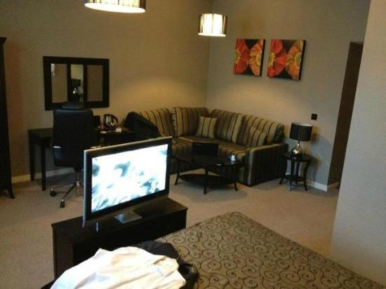 Malone Lodge Hotel & Apartments: The L Suite