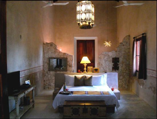 Hacienda Sacnicte: Master suite Camelia