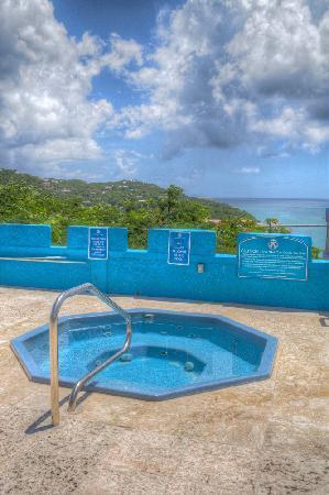 Bluebeard's Castle Resort: Hot Tub Bluebeard's Castle