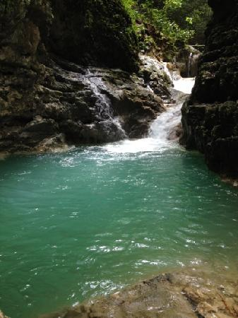 Tubagua Plantation Eco Lodge: One of the natural pools, one hour walk from the property, is worth it.