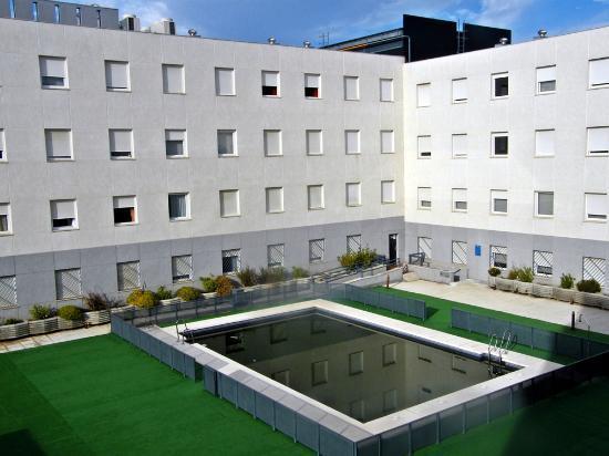 Apartamentos Vertice Sevilla Aljarafe: Vista desde o quarto