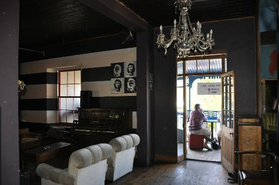 Cafe Havana: Upstairs bar and verandah