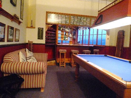 Bradach Manor: Bar