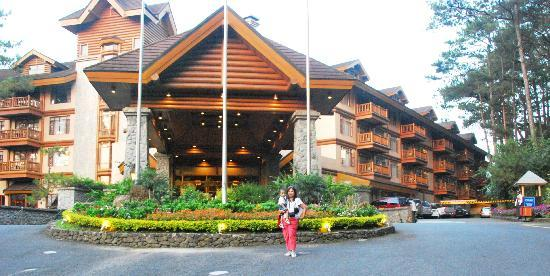 The Manor At Camp John Hay Hotel Facade