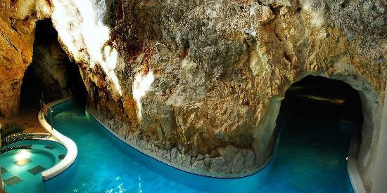 Cave Bath of Miskolctapolca : höhlen - kur - thermalbad**** miskolc tapolca