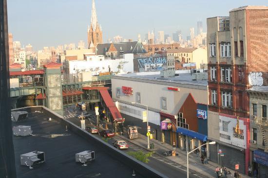 Sumner Hotel: la station de métro et la Freedom tower vues de notre chambre