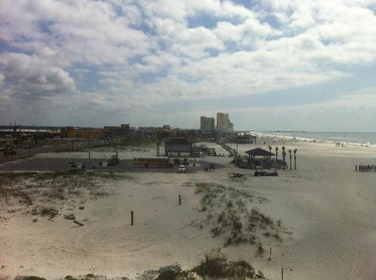 Island Winds East: Another view of The Hangout from the condo 301