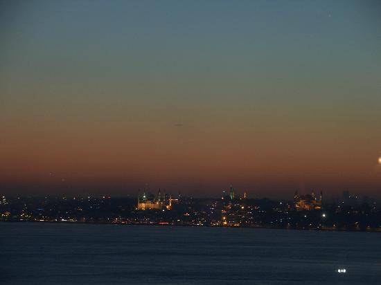 DoubleTree by Hilton Istanbul - Moda : Ausblick vom Dachrestaurant