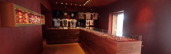 Oro de Monte Albán: Nice place to shop!!