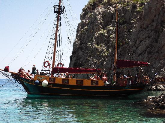 Eva Cruises : Day trip to Kalymnos, Pserimos