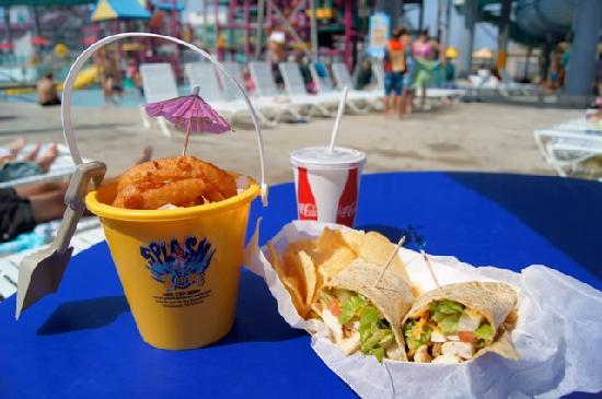 Splash Zone Water Park: Zone Grill