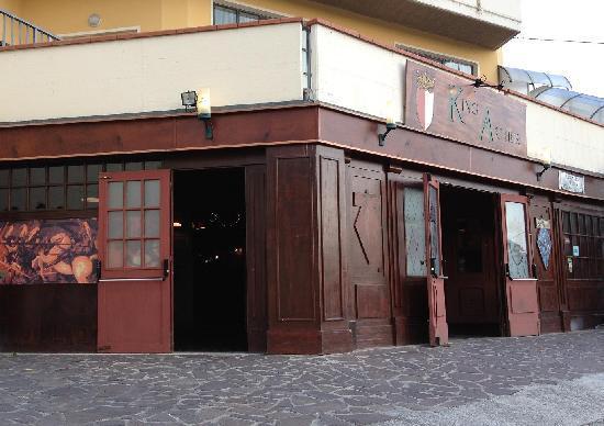 Province of Teramo, Italia: Pub King Arthur