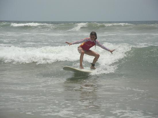 Playa Grande Surf Camp: savi surfing lesson with lindsey!