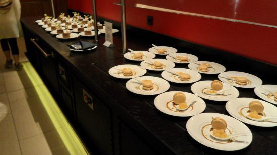 Valmorel, Frankrijk: les soi disant desserts surgelés du diner