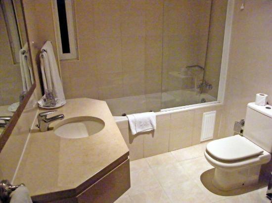 Torres Novas Hotel: Excelente quarto de banho