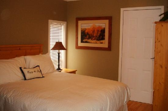 Vancouver House Bed & Breakfast: Retreat Suite