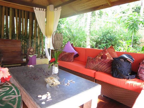 Casa Chameleon : outdoor dining area/lounge